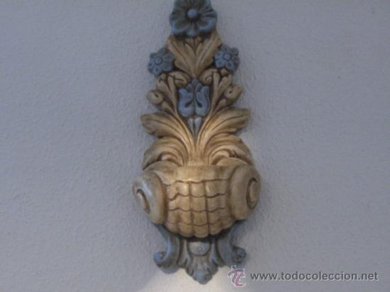 MENSULA DE ESCAYOLA, DECORADA. MEDIDA 40 X 18 CM. (Antigüedades - Muebles Antiguos - Ménsulas Antiguas)