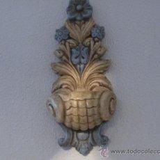 Antigüedades: MENSULA DE ESCAYOLA, DECORADA. MEDIDA 40 X 18 CM. . Lote 26280661