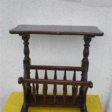 Antigüedades: MESA REVISTERO. Lote 26325594