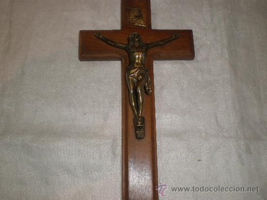 CRUCIFIJO EN BRONCE Y MADERA (Antigüedades - Religiosas - Crucifijos Antiguos)