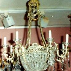 Antigüedades: LAMPARA ESTILO IMPERIO ANTIGUA. METAL DORADO, CRISTAL ROCA, CALIDAD.8 BRAZOS. MD Y DETALLES. Lote 27527318
