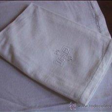 Antigüedades: MANTELERIA CREPE 6 SERVILLETAS CALADO BORDADO . Lote 26566309