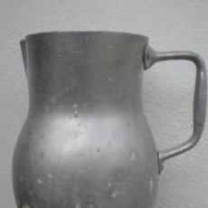 Antigüedades: ANTIGUA JARRA DE ALUMINIO. Lote 26973243