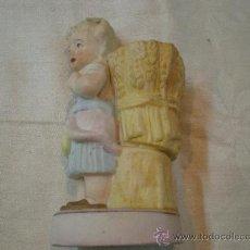 Antigüedades: NIÑA PALILLERO EN BISCUIT. Lote 26980441