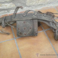 Antigüedades: ANTIGUA CABEZADA DE CABALLO CON ANTEOJO REMACHADO.. Lote 37647152