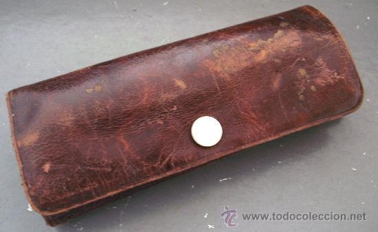 Antigüedades: juego de manicura incompleto, de cuero, con tijeras en estuche de laton, publicidad cerveza trimalta - Foto 2 - 27000216
