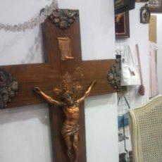 Antigüedades: PRECIOSA CRUZ DE MADERA CON CRISTO DE BRONCE. Lote 41112802