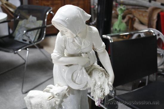 Antigüedades: GRAN FIGURA DE PORCELANA AUSTRIACA FIRMADA. SELLO EN BASE TURN (PERIODO 1899-1918). ALTURA: 60 CMS. - Foto 13 - 27179645
