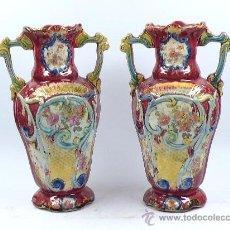 Antigüedades: PAREJA DE JARRONES MODERNISTAS 1900'S. DE CERÁMICA, 31 CM DE ALTURA.. Lote 27230308