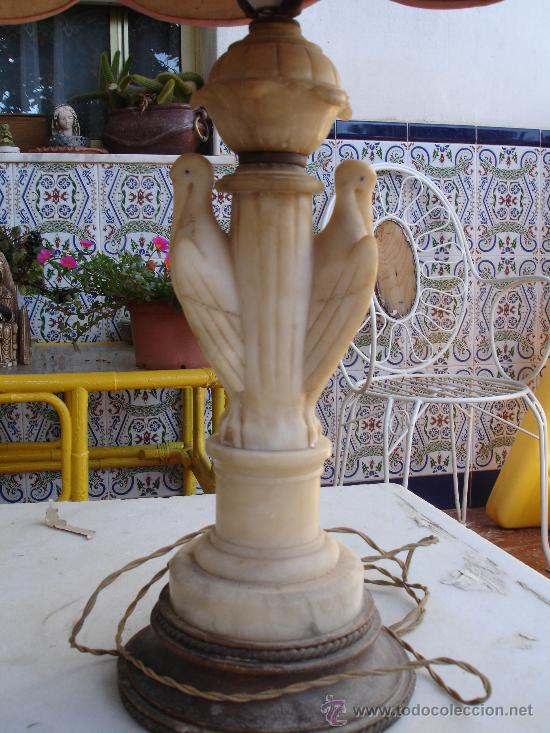 MUY DECORATIVA LAMPARA VINTAGE. CUERPO DE MARMOL VENECIANO O ALABASTRO 1920-1940 (Antigüedades - Iluminación - Lámparas Antiguas)
