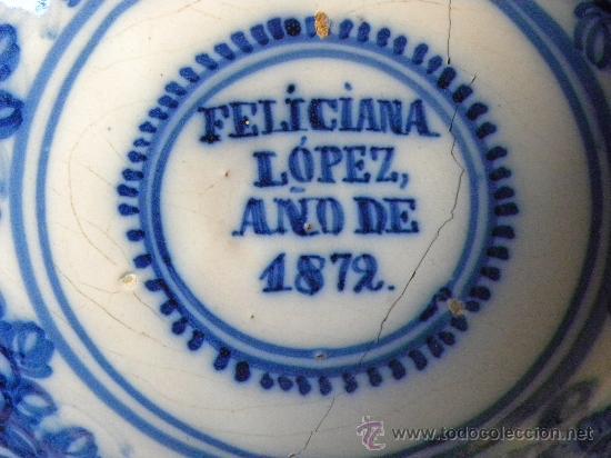 Antigüedades: Plato cerámica Talavera decoración con ramos de flores.FELICIANA LOPEZ AÑO 1872 - Foto 2 - 27319711