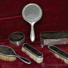 Antigüedades: CONJUNTO TOCADOR EN PLATA INGLESA Y CAREY. TORTOISE SHELL.1930. Lote 27468436