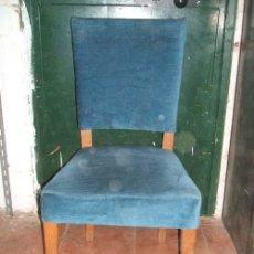 Antigüedades - Silla de madera con tapizado en azul. - 27353046
