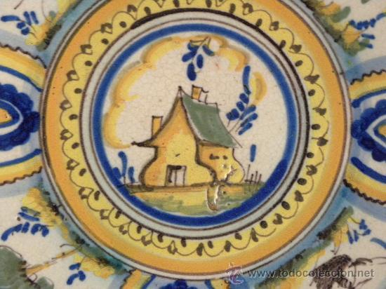 Antigüedades: Plato ceramica Triana ( Sevilla) con casa y pájaros princ,S.XX - Foto 2 - 27384582