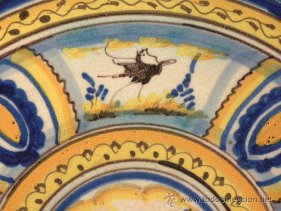 Antigüedades: Plato ceramica Triana ( Sevilla) con casa y pájaros princ,S.XX - Foto 5 - 27384582
