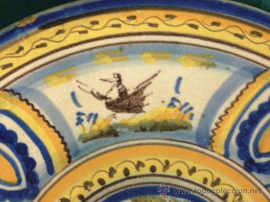 Antigüedades: Plato ceramica Triana ( Sevilla) con casa y pájaros princ,S.XX - Foto 6 - 27384582