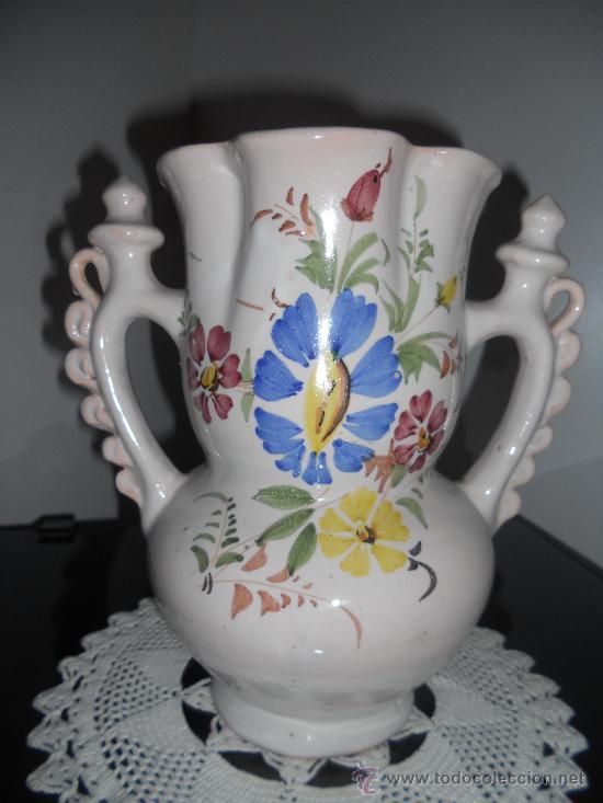 PRECIOSA Y ANTIGUA JARRA DE NOVIA .FIRMADA LARIO (Antigüedades - Porcelanas y Cerámicas - Lario)