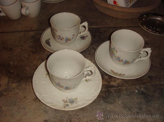 ANTIGUAS 3 TAZAS CON MOTIVOS FLORALES . AÑOS 20 (Antigüedades - Porcelanas y Cerámicas - Otras)
