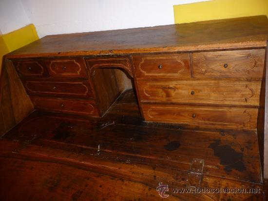 Canterano catal n en madera de nogal y madera d comprar for Catalogo muebles boj