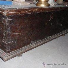Antigüedades: ARCA ANTIGUA DE NOGAL ESPAÑOL, MEDIDA 156X063X058 CM.. Lote 27544386