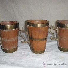 Antigüedades: 3 JARRAS ANTIGUAS DE CERVEZA DE MADERA Y LATON. Lote 28939289