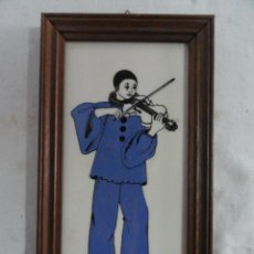 Antigüedades: PEQUEÑO AZULEJO ENMARCADO - PIERROT -.. Lote 27709605