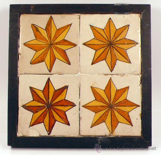 PLAFÓN DE 4 AZULEJOS ANTIGUOS, 13,5 CM CADA UNO. (Antigüedades - Porcelanas y Cerámicas - Azulejos)