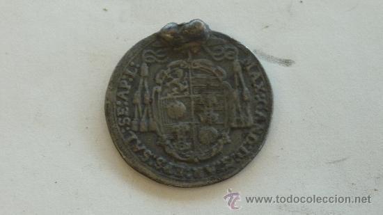 Antigüedades: antigua medalla religiosa de 1686 en plata. - Foto 2 - 27838406