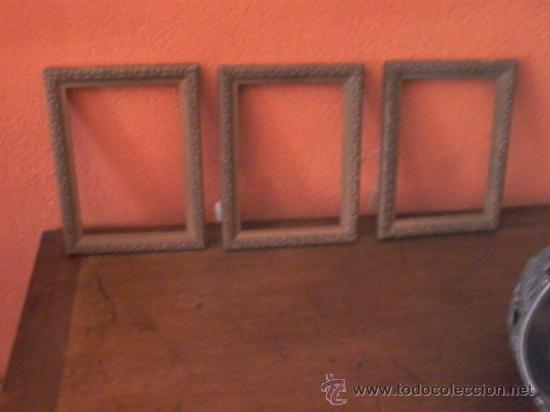 LOTE DE 3 PEQUEÑOS MARCOS DORADOS. (Antigüedades - Muebles Antiguos - Cornucopias Antiguas)