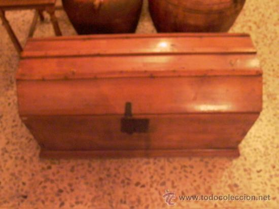 ANTIGUO BAUL PROCEDENTE DE CONVENTO DE MONJAS (Antigüedades - Muebles Antiguos - Baúles Antiguos)