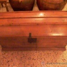 Antigüedades: ANTIGUO BAUL PROCEDENTE DE CONVENTO DE MONJAS. Lote 27868498