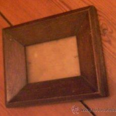 Antigüedades: PEQUEÑO MARCO ISABELINO PORTAFOTOS. Lote 27870244
