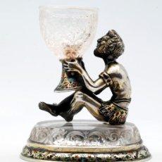 Antigüedades: ESPECIERO DE MESA DE PLATA AUSTRO-HUNGARA PUNZONADA HERMANN RATZERSDORFEN VIENA 1843-1881. Lote 27873119