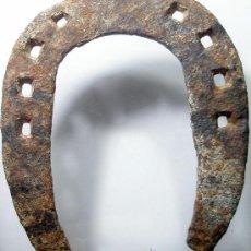 Antigüedades: ANTIGUA HERRADURA EN FORJA.12 X 10,5. Lote 27920916