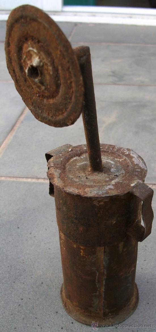 PEQUEÑA LAMAPRA DE CARBURA HECHO DE UNA LATA DE LA LECHERA (20CM APROX) (Antigüedades - Iluminación - Lámparas Antiguas)