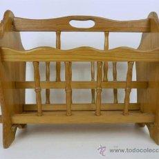 Antigüedades: REVISTERO DE MADERA CLARA. Lote 27972795