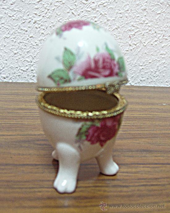 HUEVO RUSO DE PORCELANA. JOYERO ANTIGUO. (Antigüedades - Porcelanas y Cerámicas - Otras)