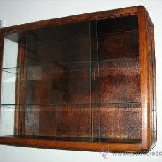 Antigüedades: VITRINA ANTIGUA DE PARED, DE CRISTAL Y MADERA.. Lote 27999297