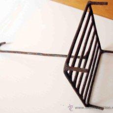 Antigüedades: ANTIGUA TOSTADORA DE PAN. Lote 28139805