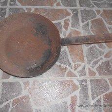Antigüedades: ANTIGUA SARTEN DE HIERRO.. Lote 28284231