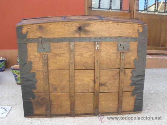 Enorme baul de madera y chapa restaurado comprar ba les - Fotos de baules ...