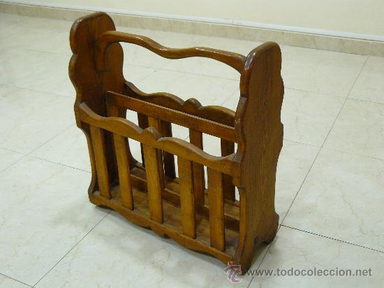 Antigüedades: REVISTERO ANTIGUO DE MADERA. - Foto 2 - 113883154