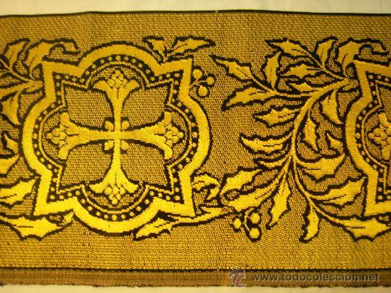 Antigüedades: TIRA ANTIGUA DE TELA CON CRUCES EN NEGRO Y ORO - Foto 2 - 114961663