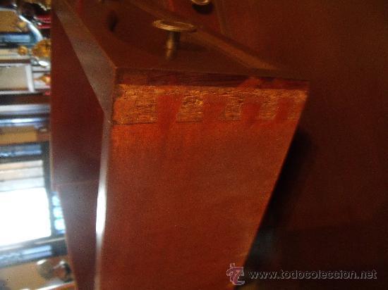 Antigüedades: ANTIGUO ESCRITORIO DE MADERA MACIZA TRABAJADO A MANO. - Foto 11 - 28523341