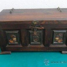 Antigüedades: PEQUEÑO ARCON DE MADERA ESTILO ESPAÑOL. Lote 28538651