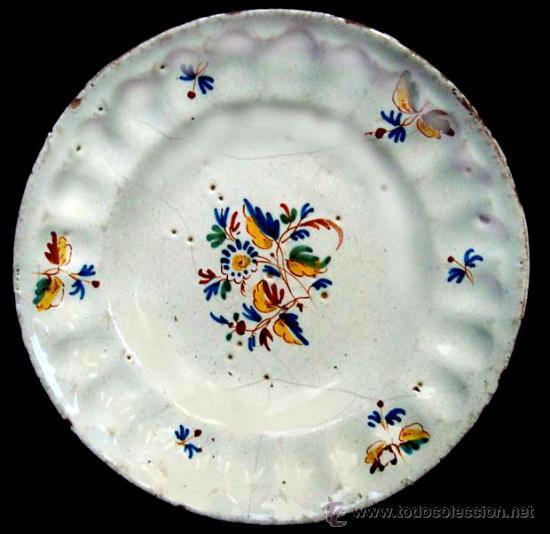 PLATO DE CERAMICA DE ALCORA (Antigüedades - Porcelanas y Cerámicas - Alcora)