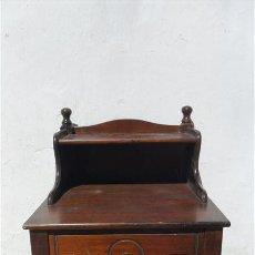 Antigüedades: MESA DE TELEFONO DE CASTAÑO. Lote 28625218