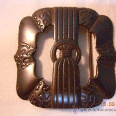 Antigüedades: HEBILLA MODERNISTA METALICA PAVONADA EN NEGRO. Lote 28662400