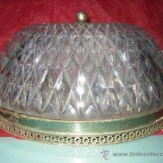 Antigüedades: LAMPARA PLAFON DE METAL Y CRISTAL EN RELIEVE - 16 CM DE ALTA X 30 CM DE DIAMETRO. Lote 28865244