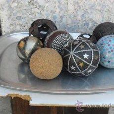 Antigüedades: BANDEJA DE PEWTER CON BOLAS DE HUESO Y VARIOS. Lote 28811801